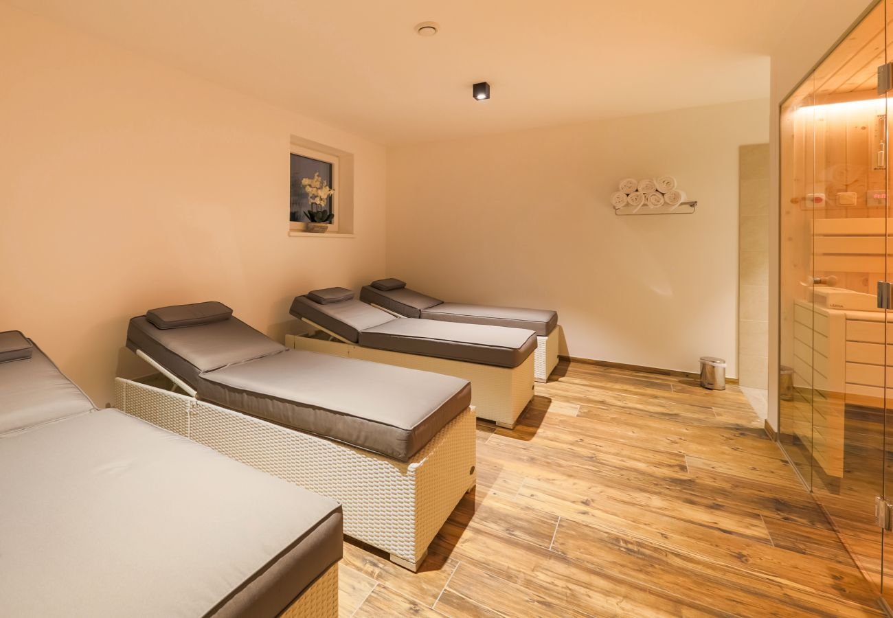 Chalet with private sauna in Kaprun | Aurora Mountain Chalet by we rent
